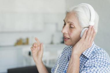 Evita estos tres hábitos que favorecen la pérdida de audición