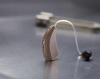 Descubren que los audífonos pueden retrasar el deterioro cognitivo