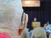 Los audífonos pueden ayudar a minimizar el riesgo de deterioro cognitivo, según un estudio