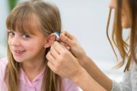 La intervención temprana beneficia a los niños con pérdida de audición