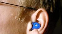 A qué se deben los pitidos en el oído y cómo tratarlos