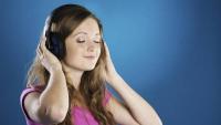 Preocupación por daños auditivos tempranos y permanentes en adolescentes