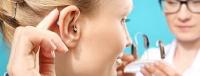 Solo la mitad de los españoles llevaría audífonos si le detectaran pérdida auditiva