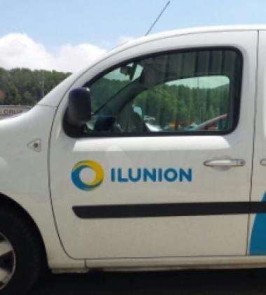 Ilunion incorpora bucles magnéticos en turismos para hacer accesible la conducción a personas sordas