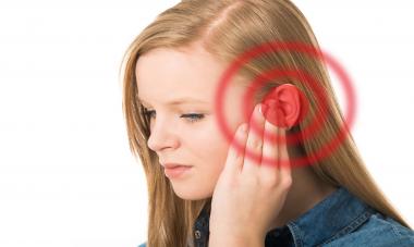 Cuatro millones de españoles conviven diariamente con molestos pitidos en sus oídos